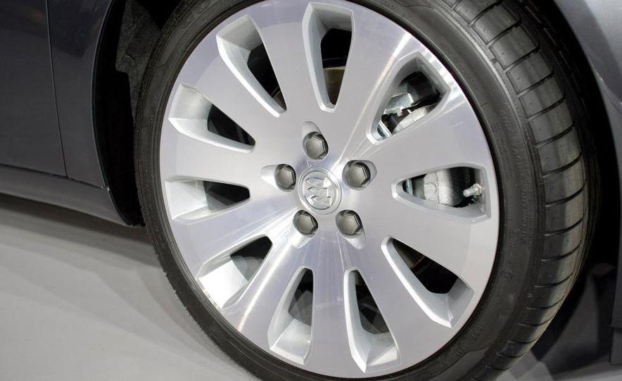 2011 Buick Regal - Slide 4