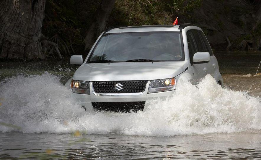 2009 Suzuki Grand Vitara - Slide 1