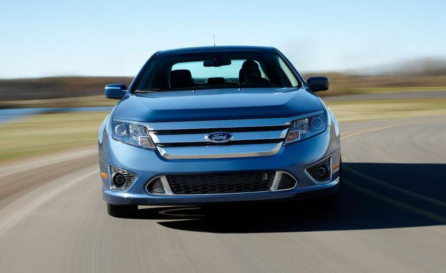 2010 Ford Fusion Sport AWD - Slide 1