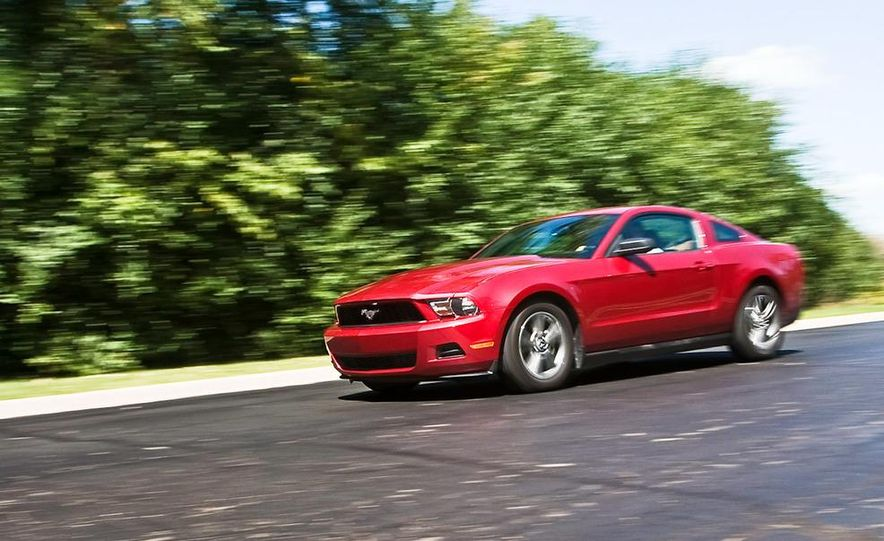 2010 Ford Mustang V-6 coupe - Slide 1