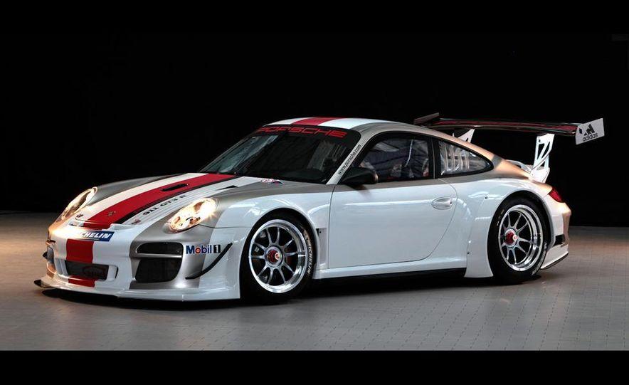 2010 Porsche 911 GT3 R - Slide 1