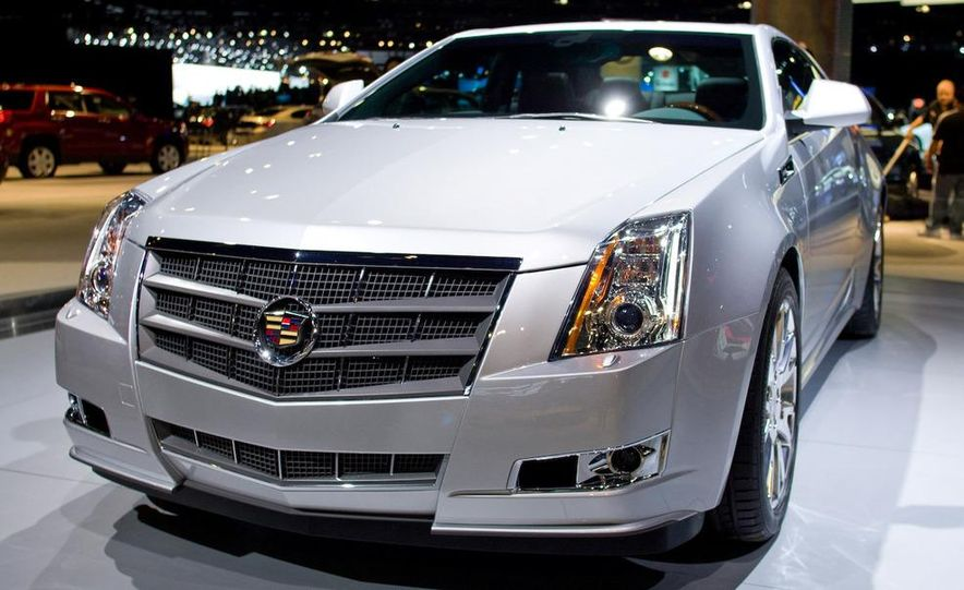 2011 Cadillac CTS coupe - Slide 2