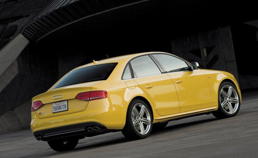 2010 Audi S4 - Slide 4