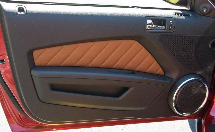 2011 Ford Mustang V-6 grille - Slide 65
