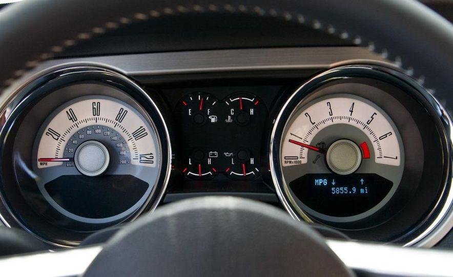 2011 Ford Mustang V-6 grille - Slide 69