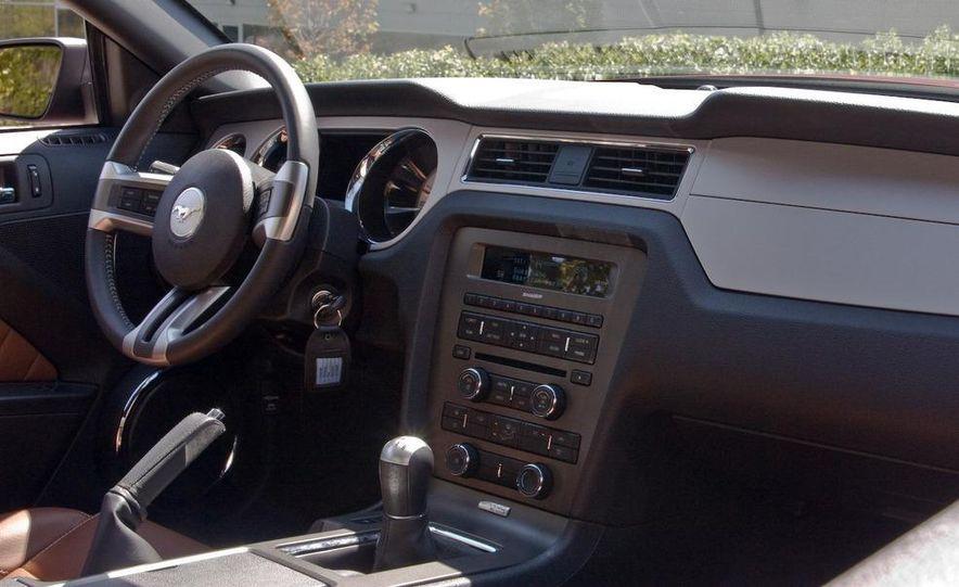 2011 Ford Mustang V-6 grille - Slide 62