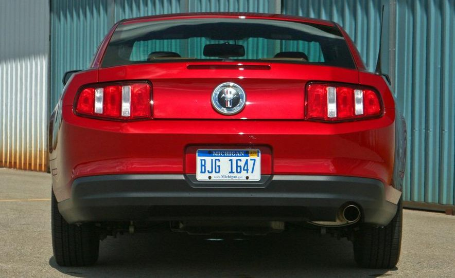 2011 Ford Mustang V-6 grille - Slide 56