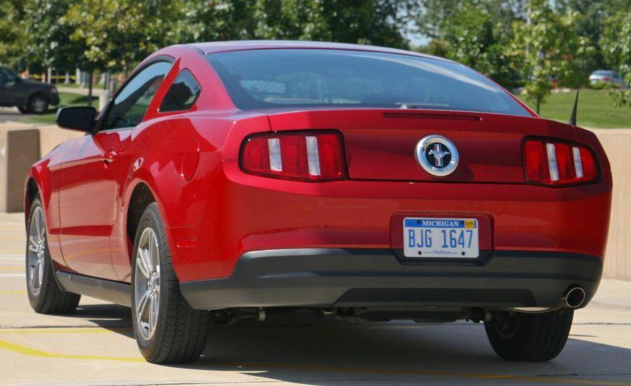 2011 Ford Mustang V-6 grille - Slide 61