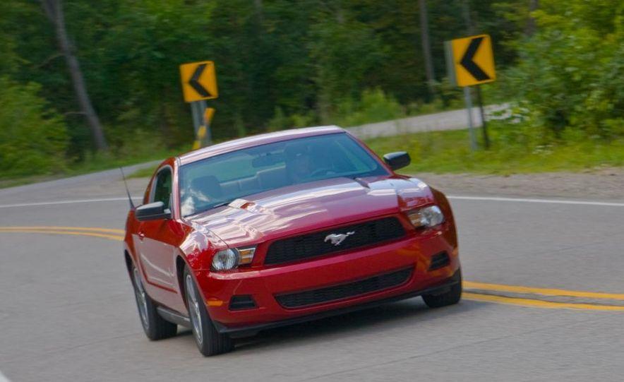 2011 Ford Mustang V-6 grille - Slide 72