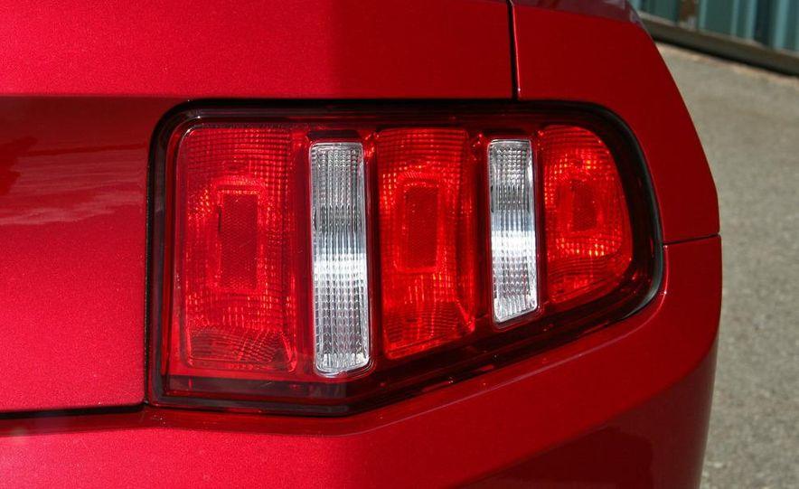 2011 Ford Mustang V-6 grille - Slide 57
