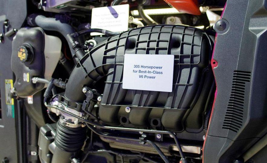 2011 Ford Mustang V-6 grille - Slide 28