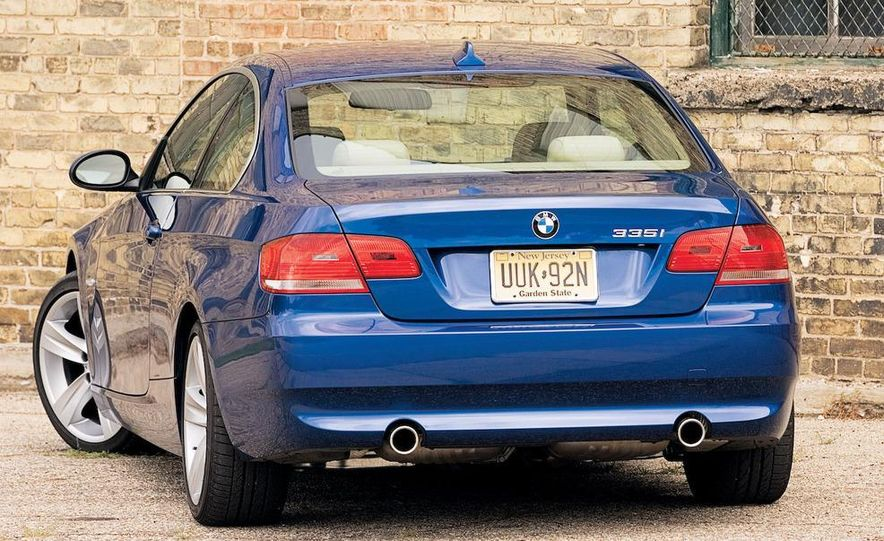 2007 BMW 335i coupe - Slide 2