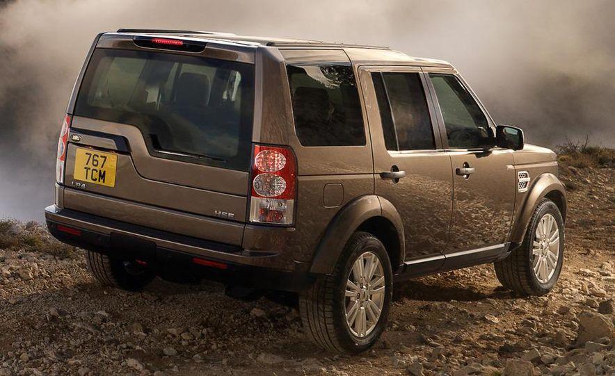 2010 Land Rover LR4 - Slide 19