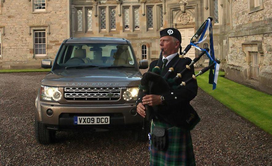 2010 Land Rover LR4 - Slide 27