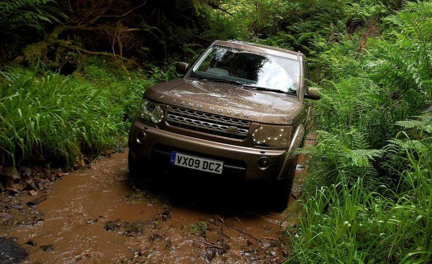 2010 Land Rover LR4 - Slide 29