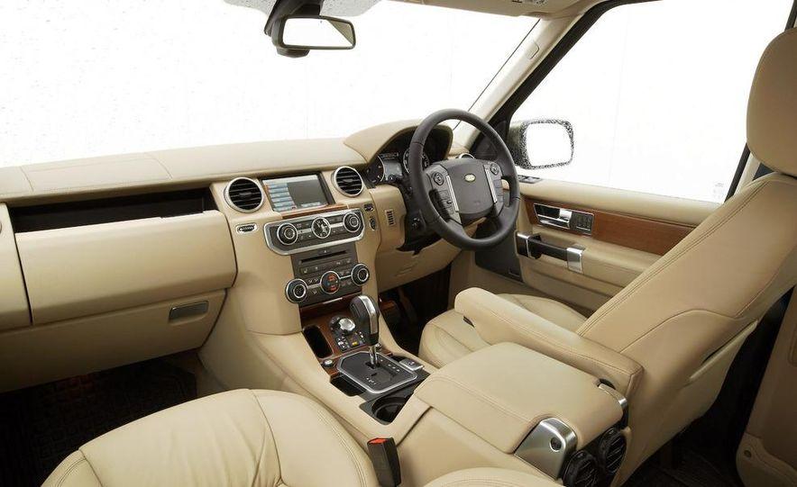 2010 Land Rover LR4 - Slide 46
