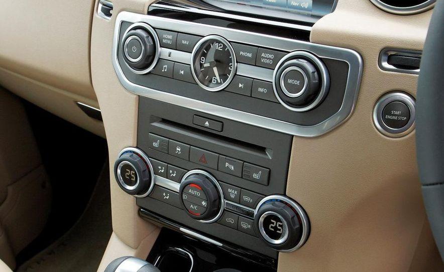 2010 Land Rover LR4 - Slide 34