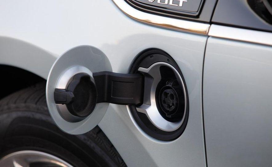 2011 Chevrolet Volt with range extender - Slide 30