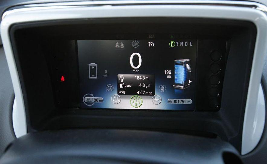 2011 Chevrolet Volt with range extender - Slide 24