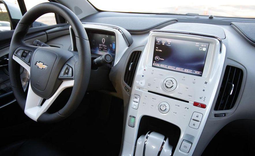 2011 Chevrolet Volt with range extender - Slide 23
