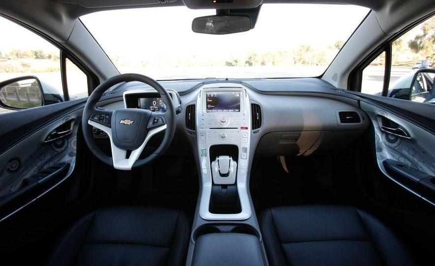 2011 Chevrolet Volt with range extender - Slide 25
