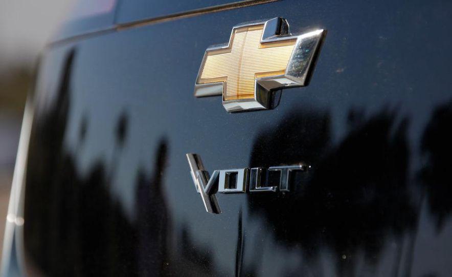 2011 Chevrolet Volt with range extender - Slide 22