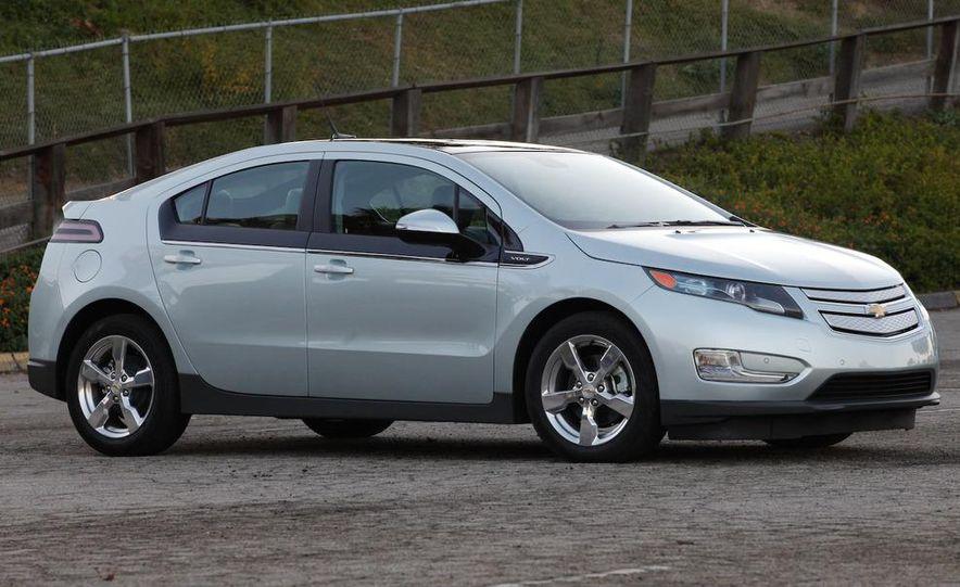 2011 Chevrolet Volt with range extender - Slide 1