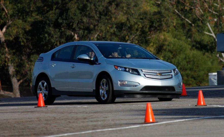 2011 Chevrolet Volt with range extender - Slide 5