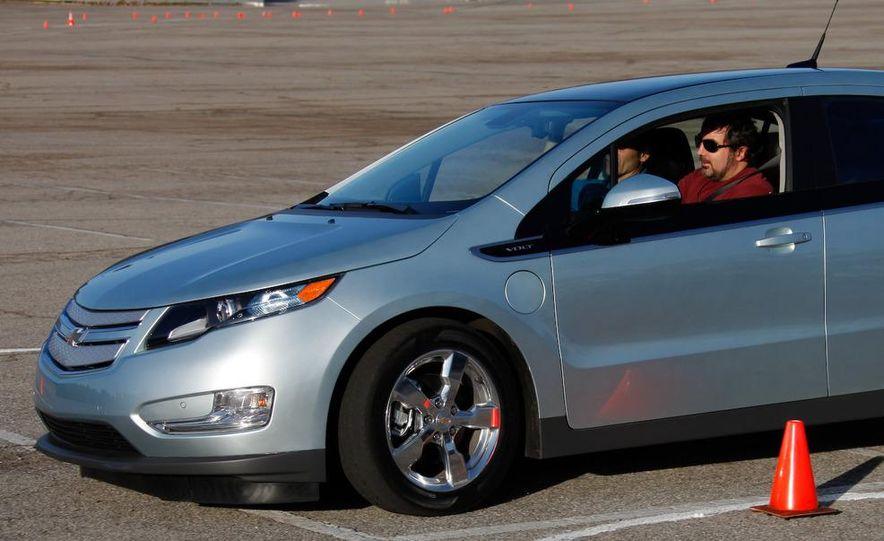 2011 Chevrolet Volt with range extender - Slide 9