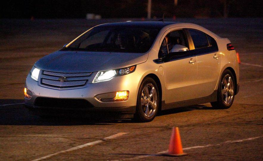 2011 Chevrolet Volt with range extender - Slide 13