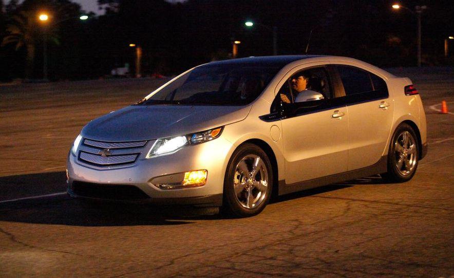 2011 Chevrolet Volt with range extender - Slide 14