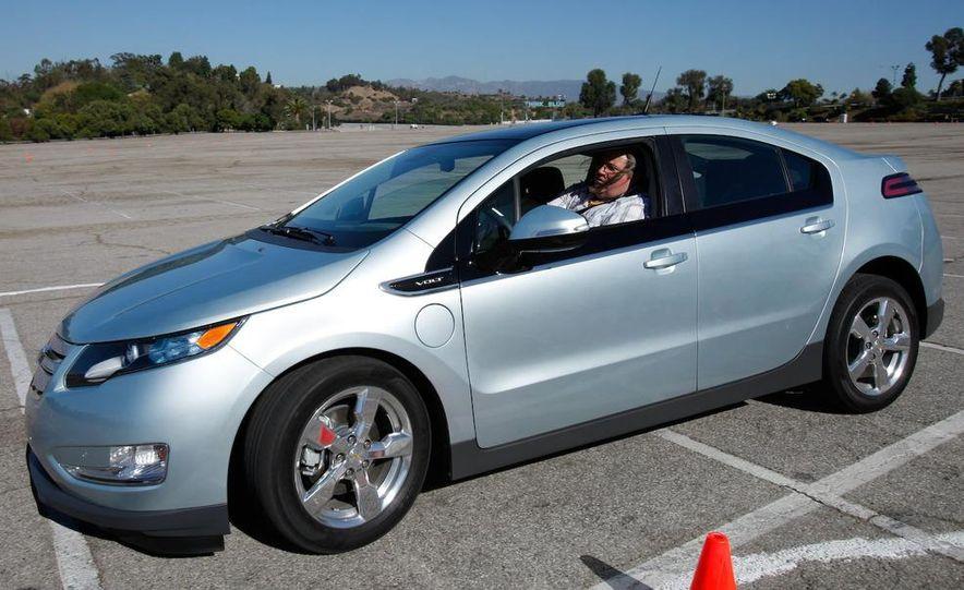 2011 Chevrolet Volt with range extender - Slide 15