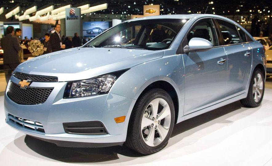2011 Chevrolet Cruze - Slide 1