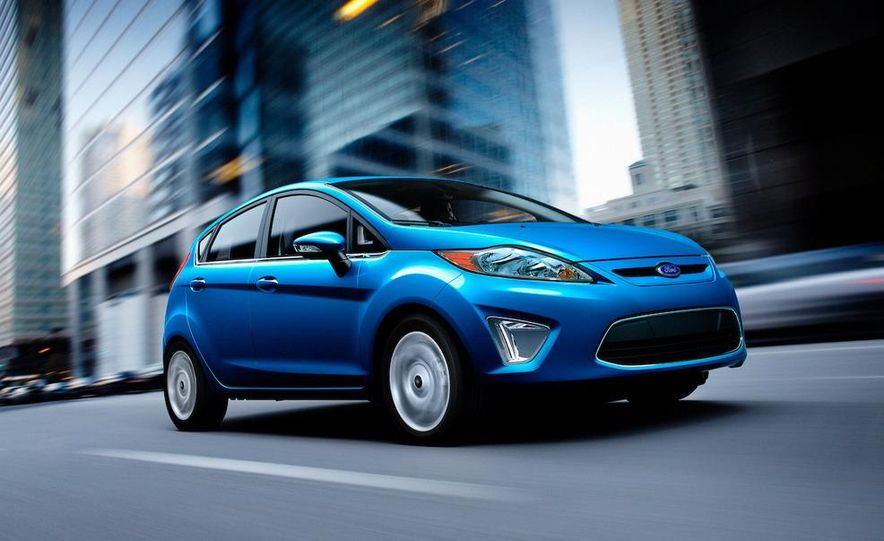 2011 Ford Fiesta 5-door - Slide 18