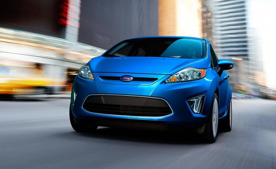 2011 Ford Fiesta 5-door - Slide 23