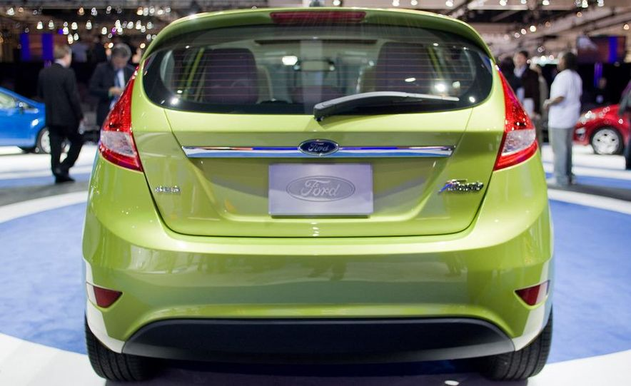2011 Ford Fiesta 5-door - Slide 7