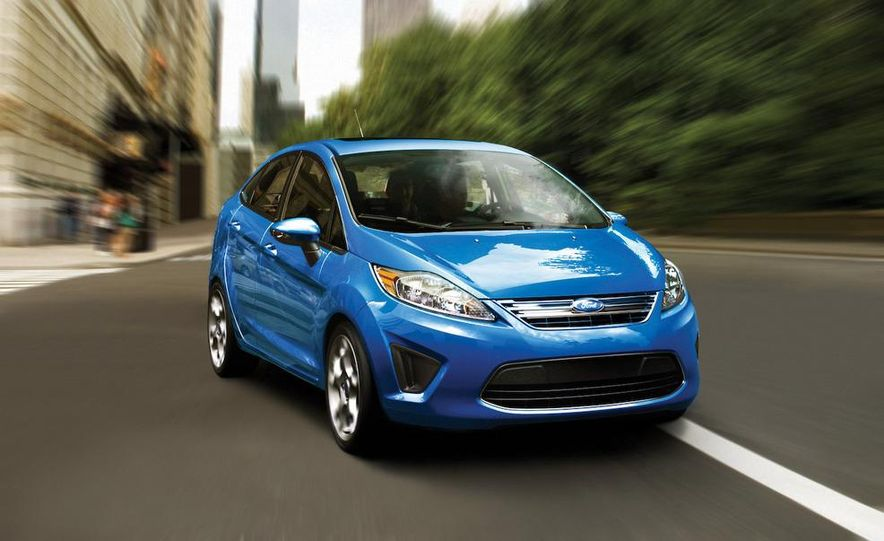 2011 Ford Fiesta 5-door - Slide 25