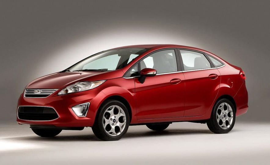 2011 Ford Fiesta 5-door - Slide 26