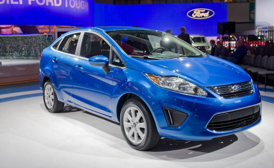 2011 Ford Fiesta 5-door - Slide 9
