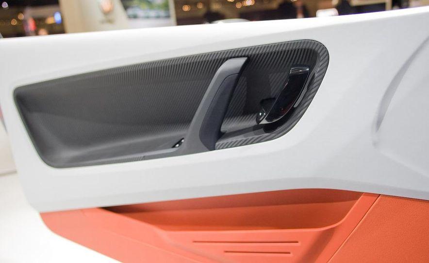 Volkswagen UP! Lite concept - Slide 12