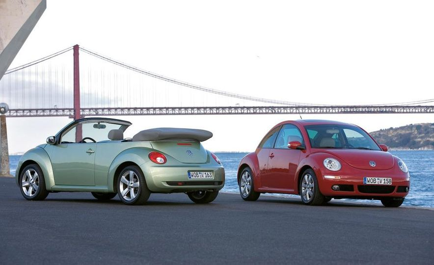 2010 Volkswagen New Beetle Final Edition coupe - Slide 19