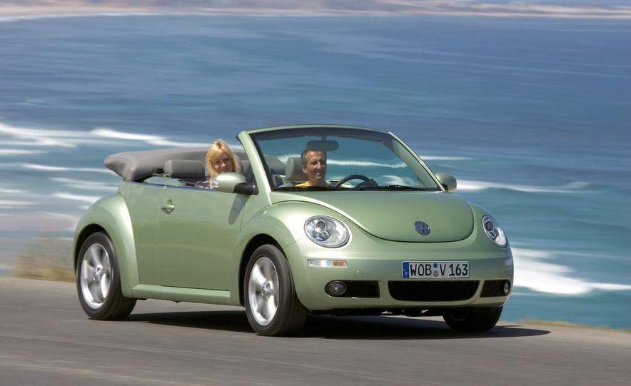 2010 Volkswagen New Beetle Final Edition coupe - Slide 20