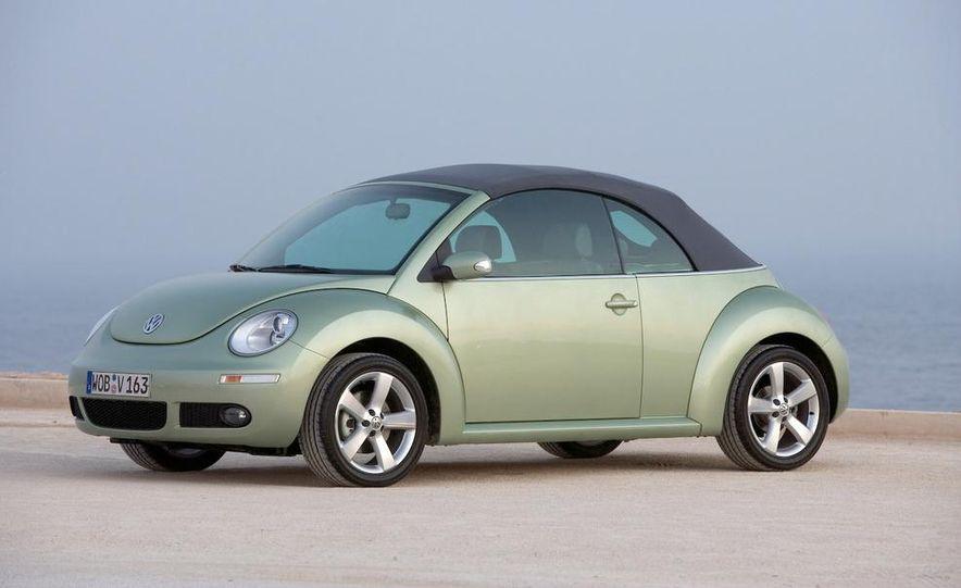 2010 Volkswagen New Beetle Final Edition coupe - Slide 26