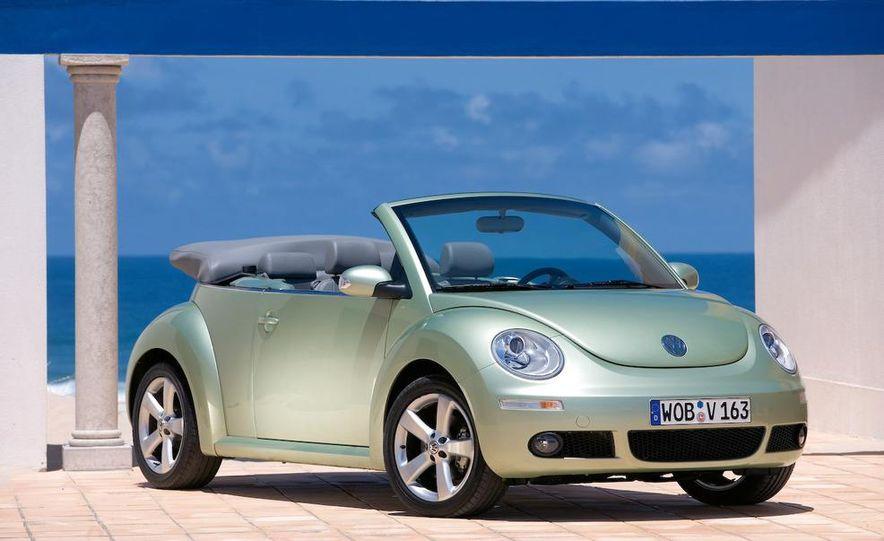 2010 Volkswagen New Beetle Final Edition coupe - Slide 34
