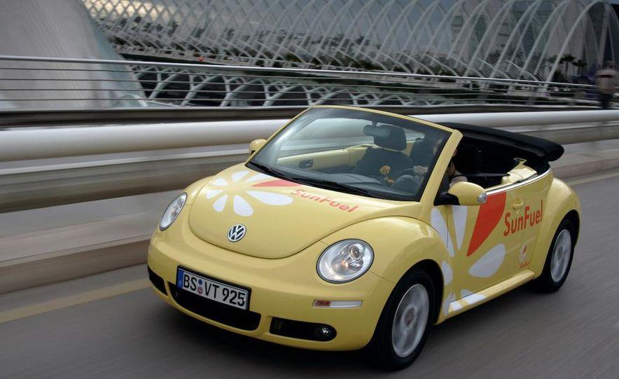 2010 Volkswagen New Beetle Final Edition coupe - Slide 38