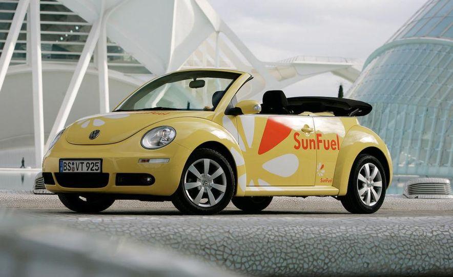 2010 Volkswagen New Beetle Final Edition coupe - Slide 39