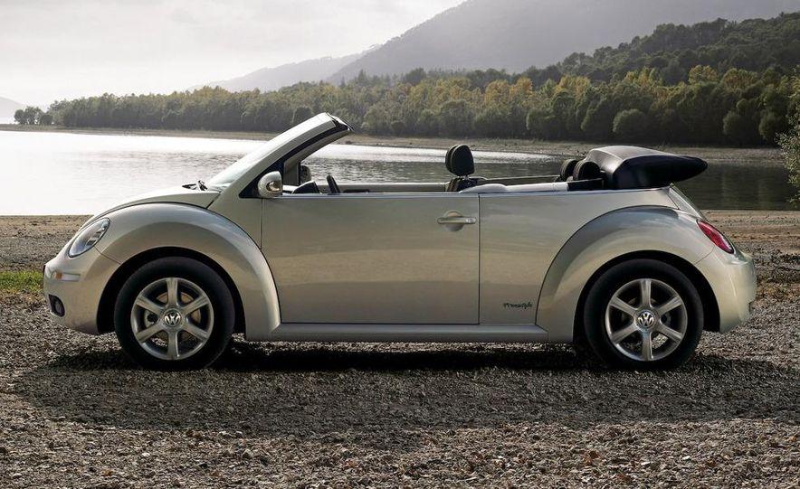 2010 Volkswagen New Beetle Final Edition coupe - Slide 41
