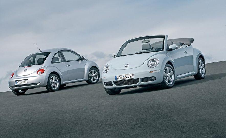 2010 Volkswagen New Beetle Final Edition coupe - Slide 12