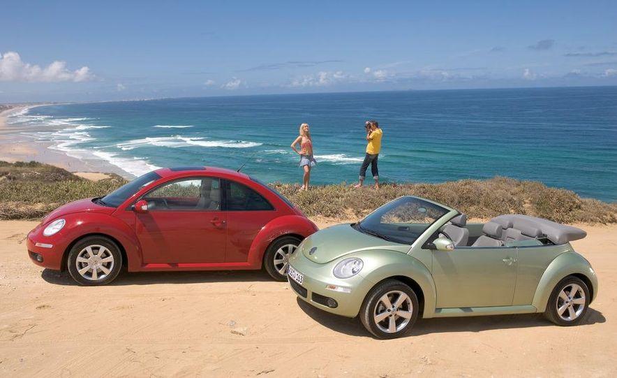 2010 Volkswagen New Beetle Final Edition coupe - Slide 18
