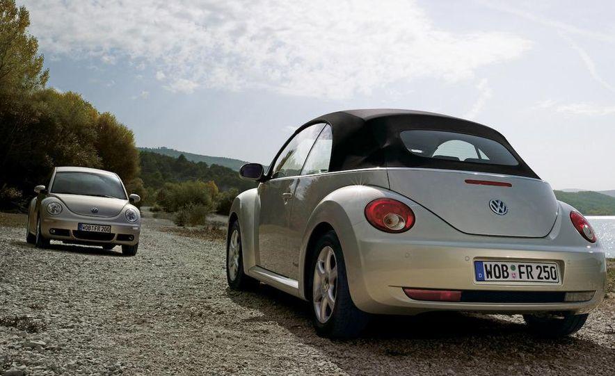 2010 Volkswagen New Beetle Final Edition coupe - Slide 42